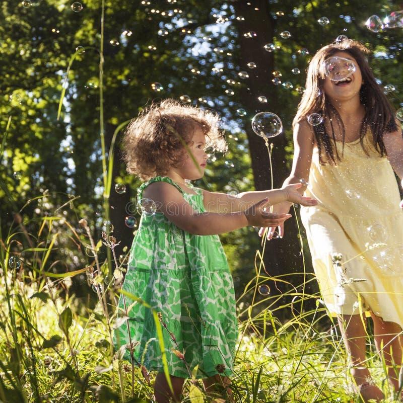 女孩儿童儿童童年偶然休闲概念 图库摄影