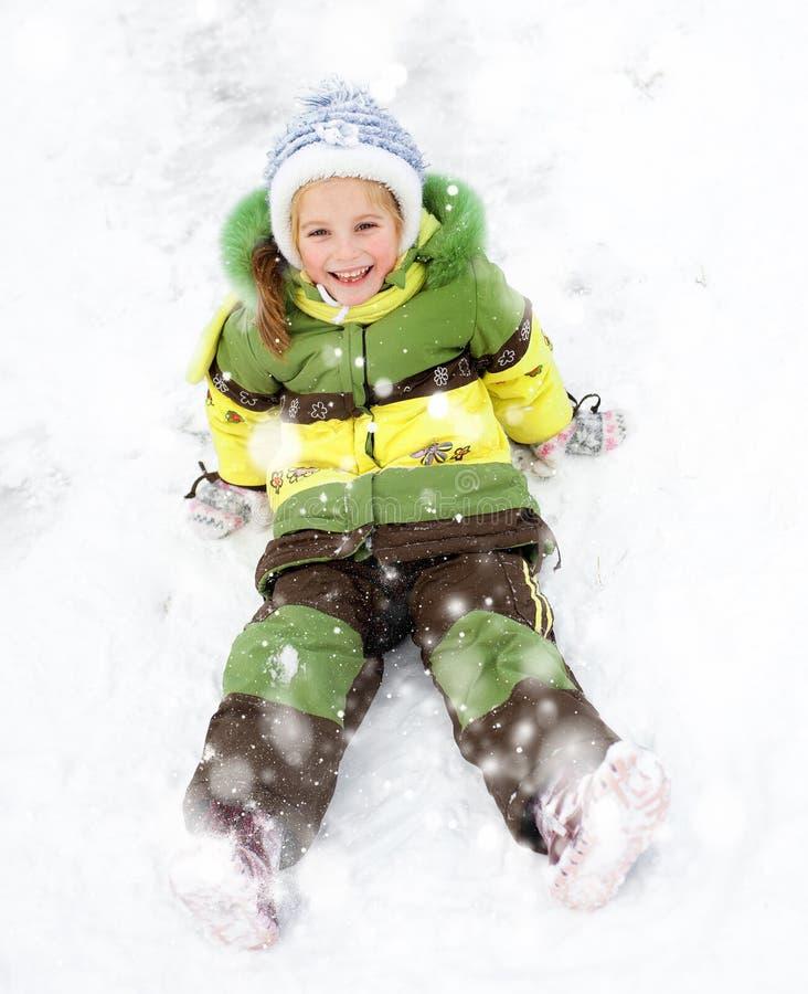 Download 女孩冬天假期 库存图片. 图片 包括有 白种人, 圣诞节, 横向, 喜悦, 本质, 女演员, 女性, 逗人喜爱 - 30338323