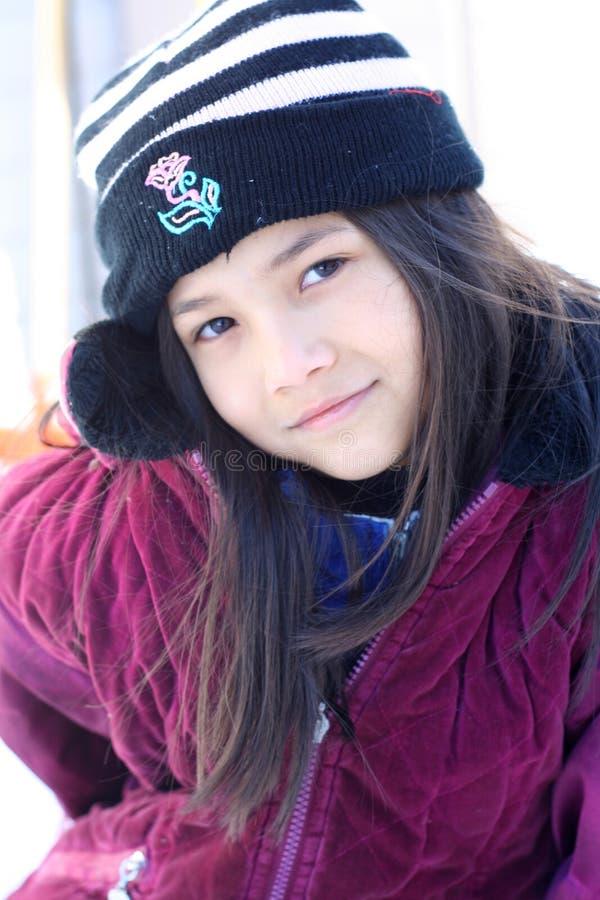 女孩准备好的灿烂的冬天 免版税库存照片