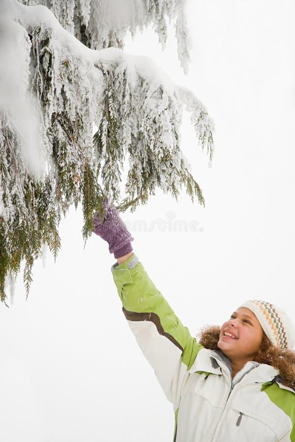 Download 女孩和多雪的分支 库存照片. 图片 包括有 女性, 冷颤, 干净, 子项, 逗人喜爱, 头发, 帽子, 投反对票 - 62534700