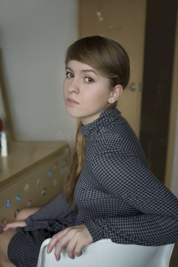 女孩哀伤的青少年的年轻人 免版税库存照片