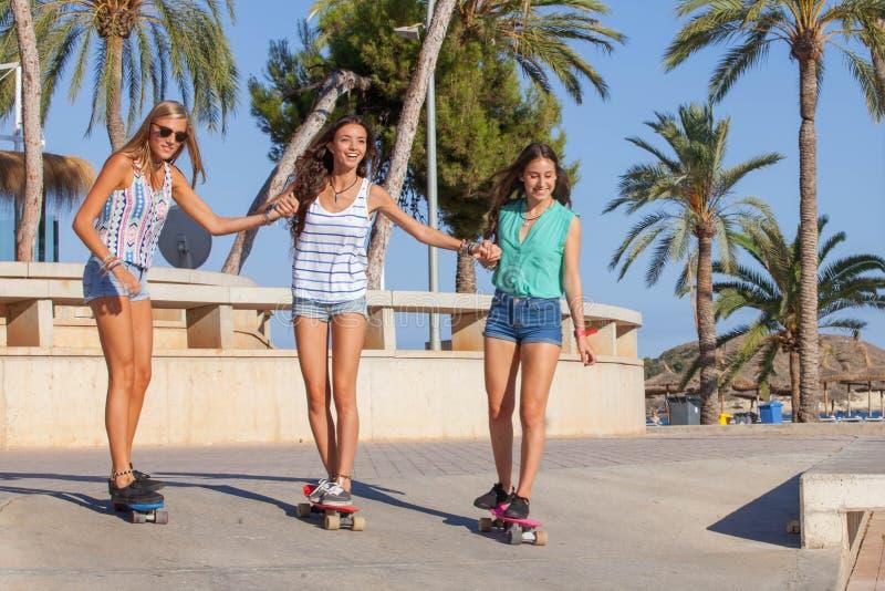 女孩在度假在Magalluf马略卡 库存图片