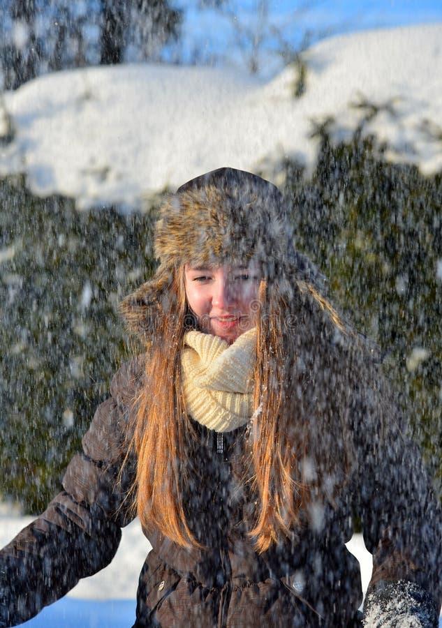 女孩在雪冬天 免版税图库摄影