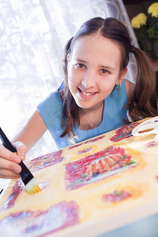 女孩家庭绘画正学校 免版税图库摄影