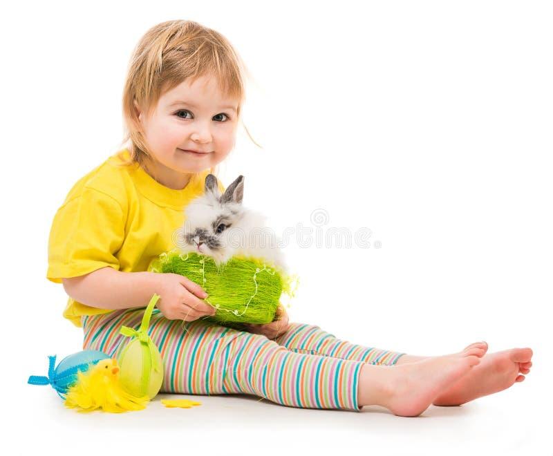 女孩小的兔子 免版税库存照片