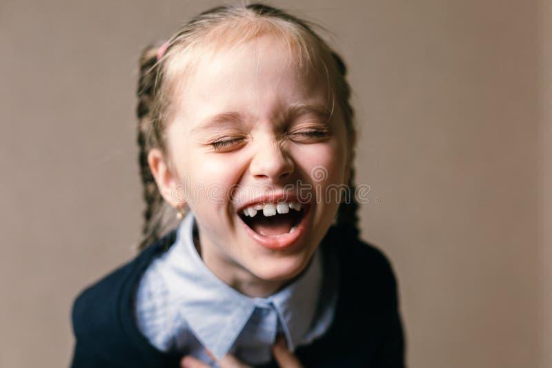 女孩少许可爱的纵向 免版税库存照片