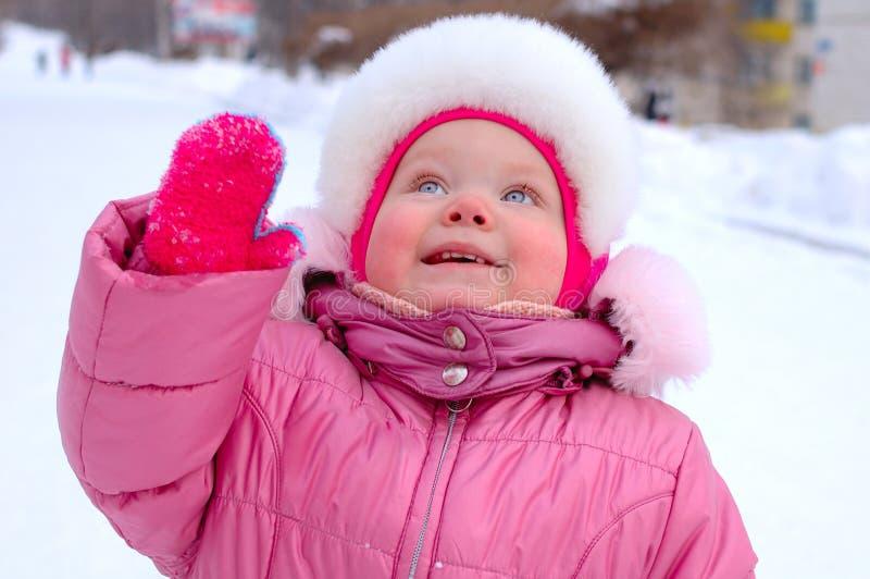 女孩少许外衣俏丽的冬天 图库摄影