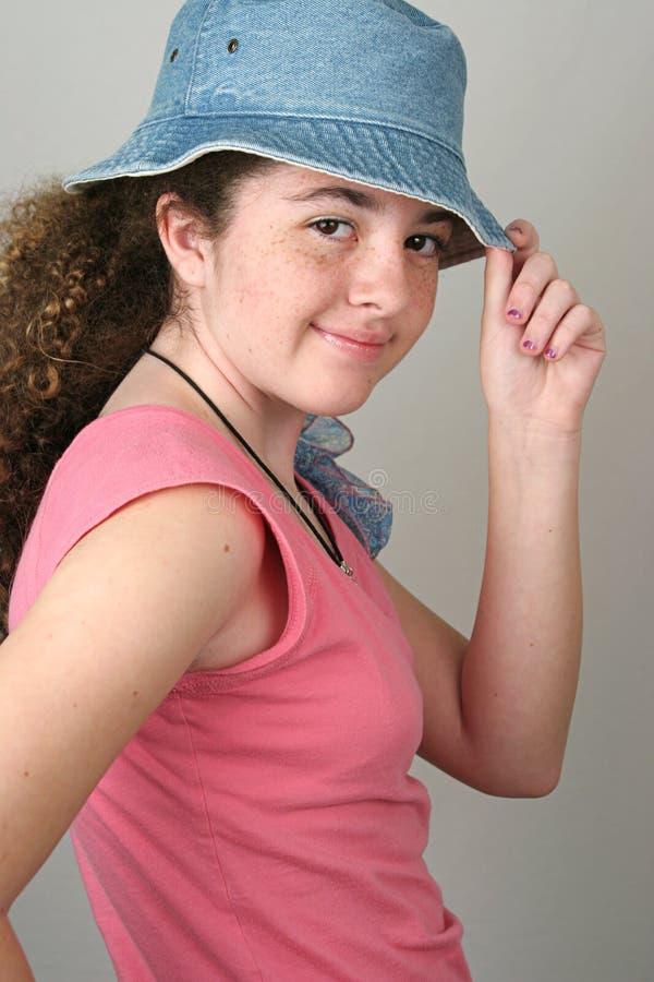 女孩帽子时髦的技巧 库存照片