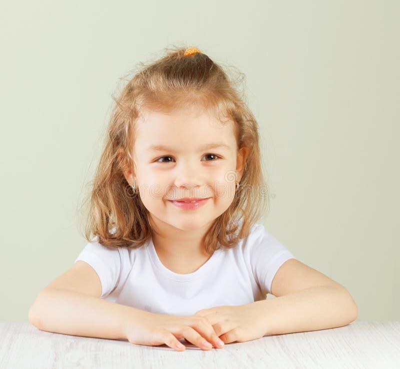 女孩愉快的小的纵向 图库摄影