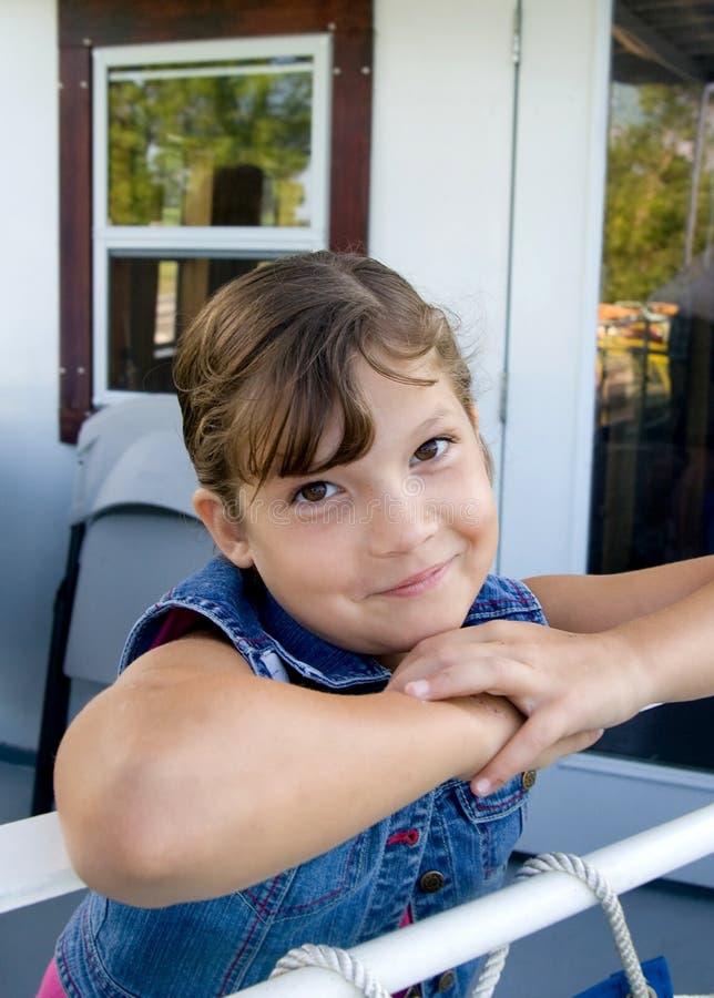 女孩愉快的年轻人 免版税库存照片