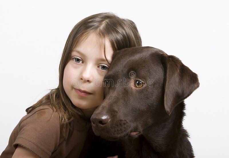 女孩拉布拉多年轻人 图库摄影