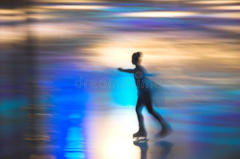 女孩滑冰 图库摄影