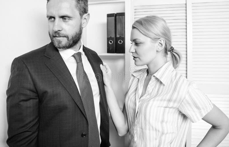 女孩猥亵行为 骚扰在工作场所 虐待上司 免版税库存图片