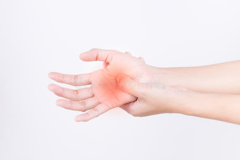 女孩的手充满痛苦,腕管综合症形式工作的 免版税库存照片