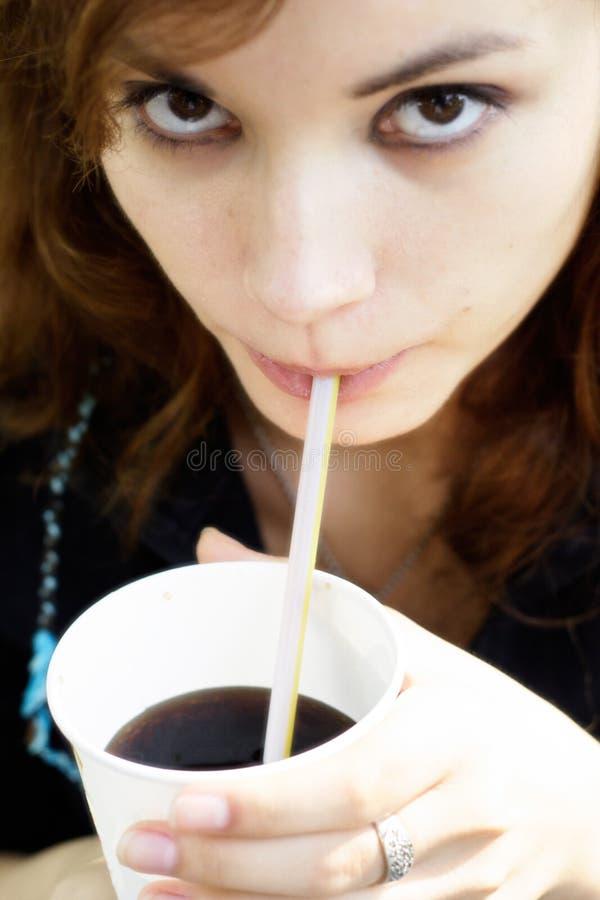 女孩碳酸钠 免版税库存照片