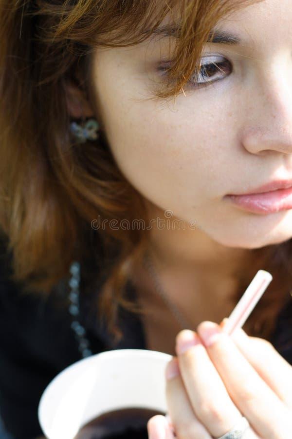女孩碳酸钠 免版税库存图片