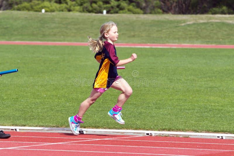 女孩种族体育运动 图库摄影