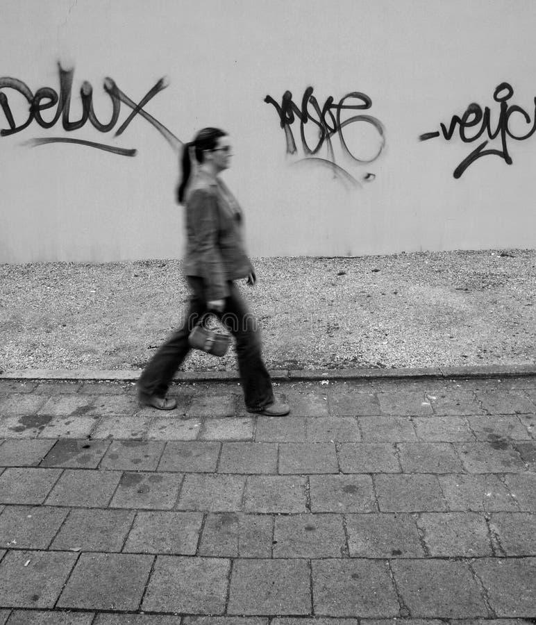 女孩街道画 图库摄影