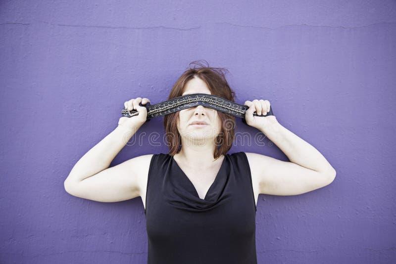 女孩覆盖物眼睛 免版税库存照片