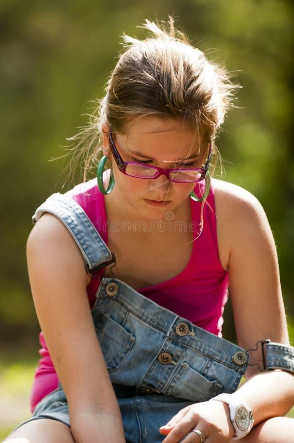 女孩认为的年轻人 库存图片