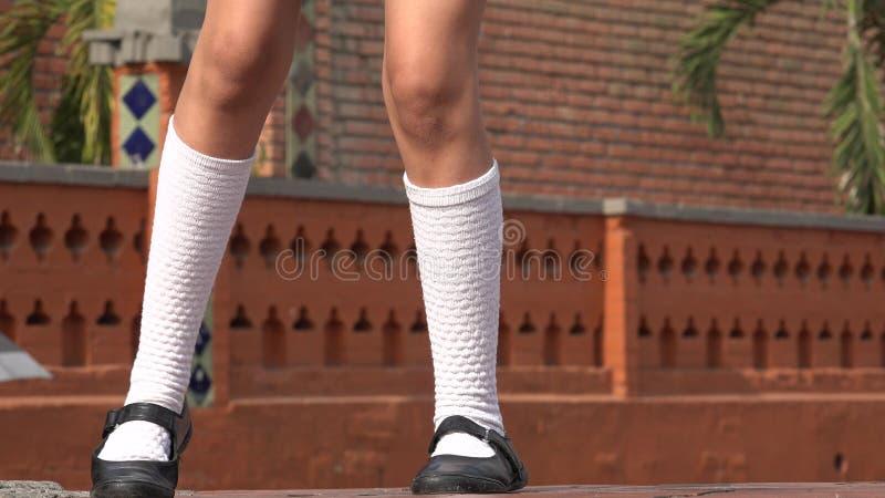 女孩跳舞佩带的白色袜子 库存照片