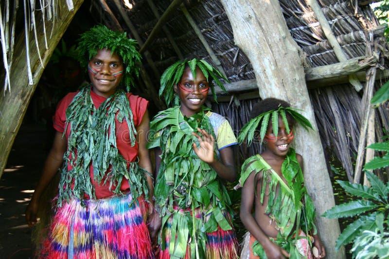 女孩部族瓦努阿图村庄 库存图片