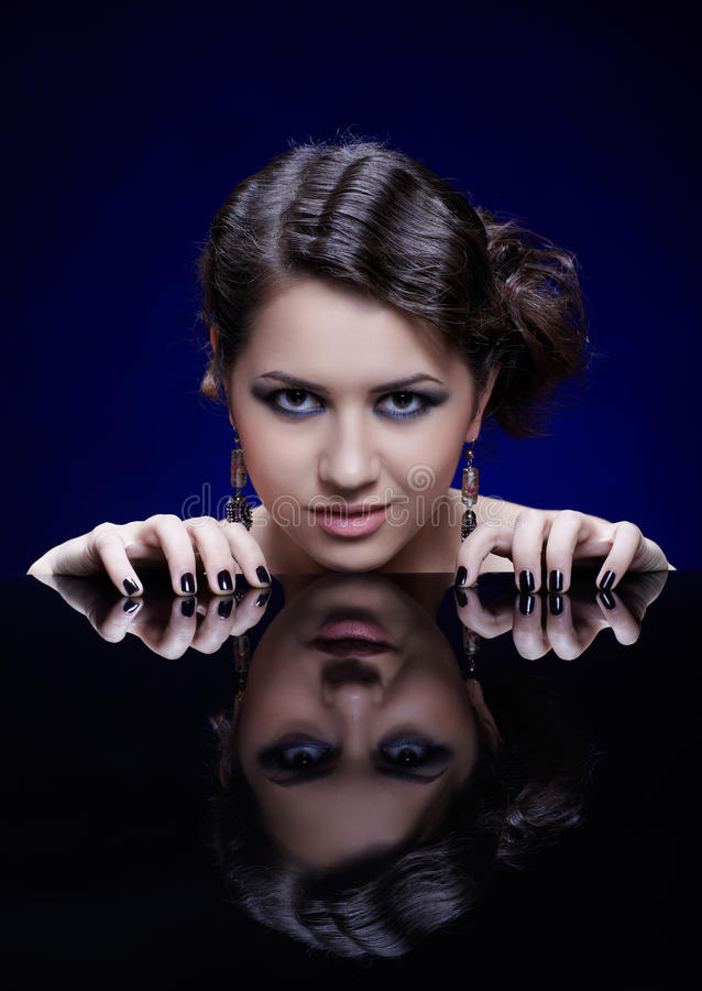 女孩镜子表 库存照片