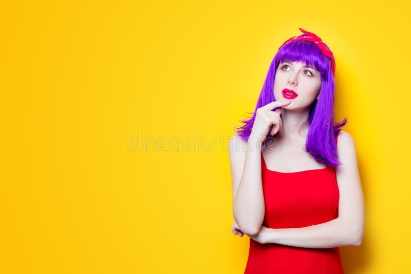 女孩画象有紫色颜色头发的 免版税图库摄影