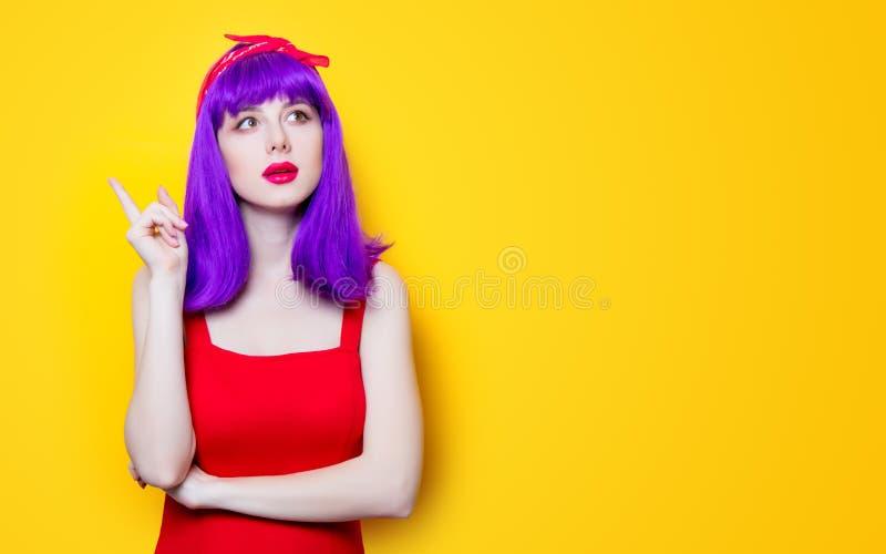 女孩画象有紫色颜色头发的 免版税库存照片