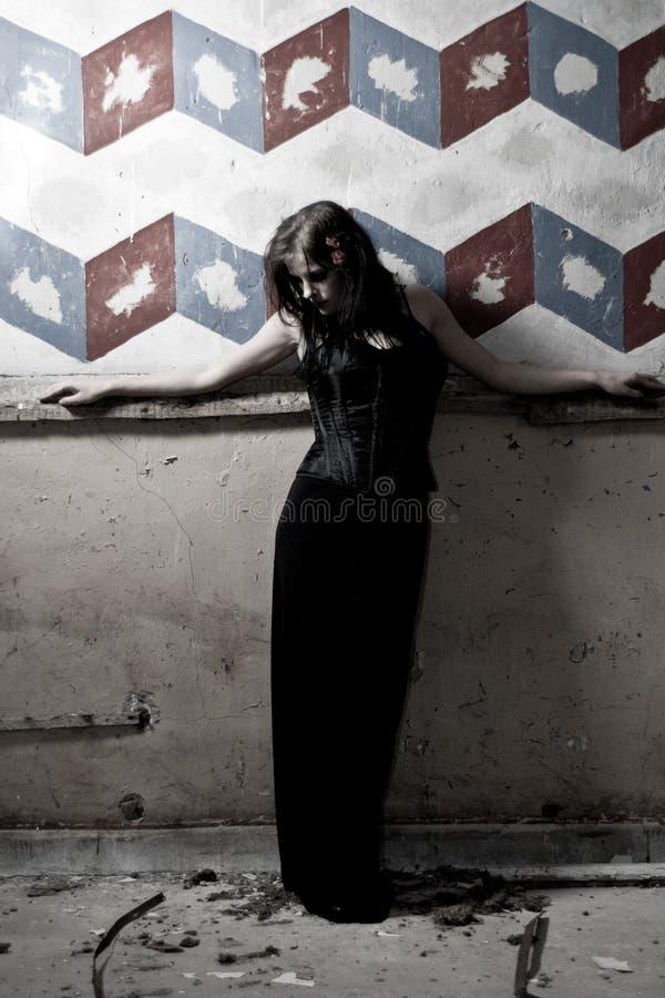 女孩goth被绘的墙壁 免版税图库摄影
