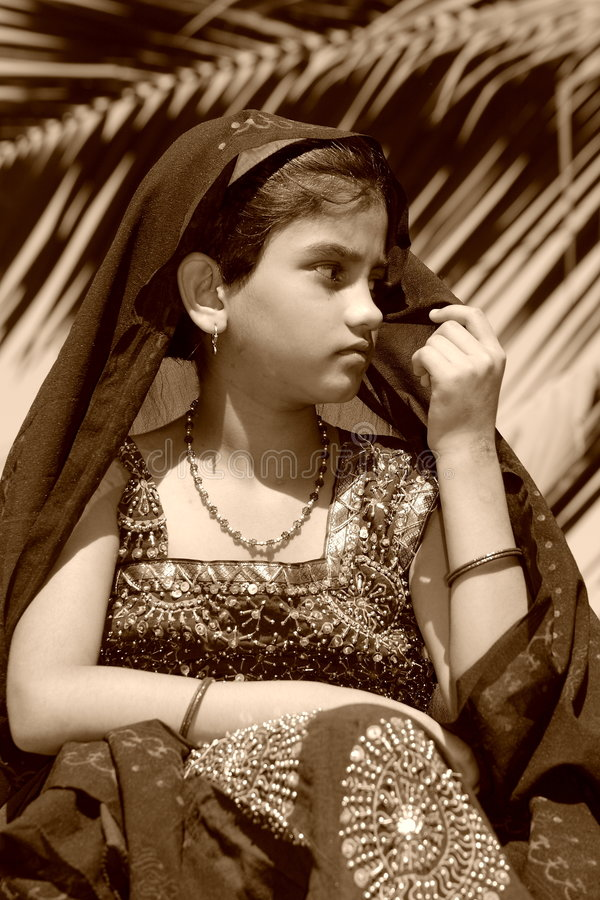 女孩marwadi注意 库存图片