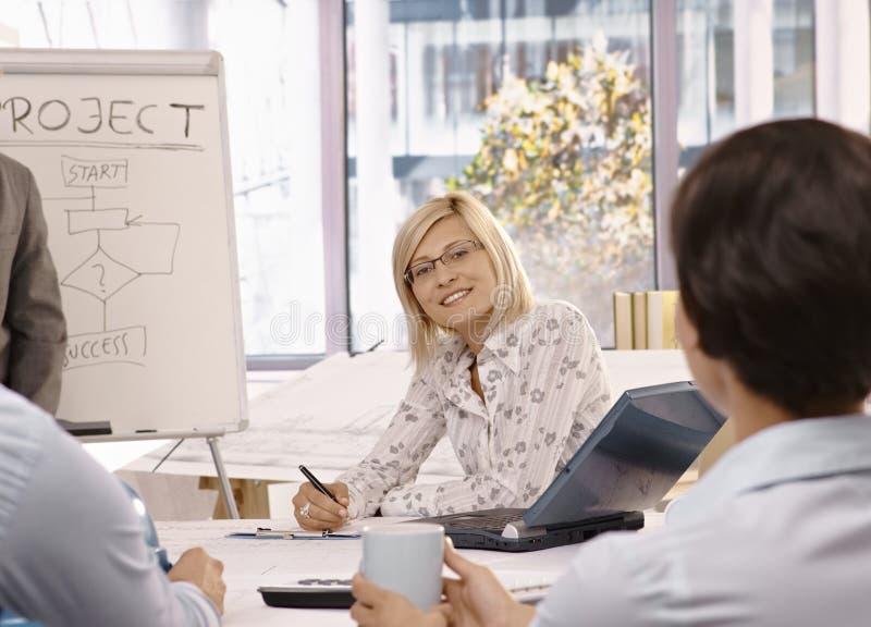 女实业家会议小组 免版税库存图片