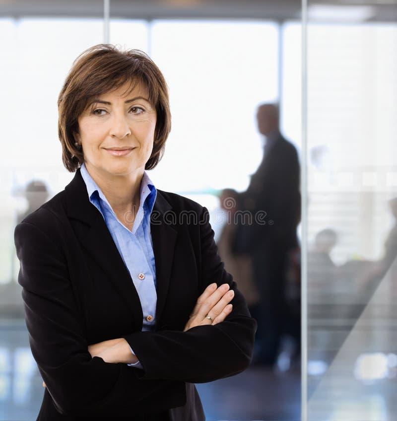 女实业家办公室前辈 免版税库存图片