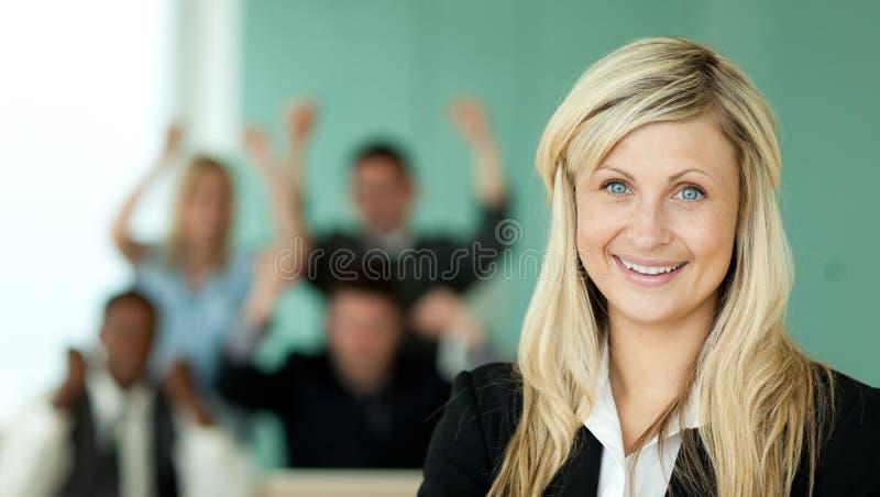 女实业家办公室小组 库存图片