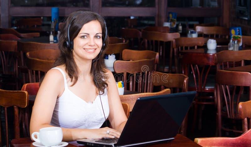 女实业家咖啡馆 库存照片