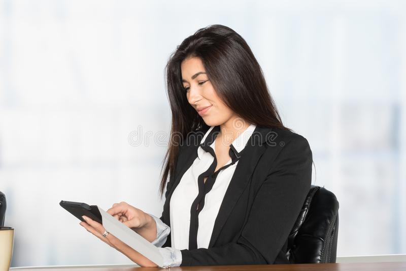 女实业家在工作 库存照片