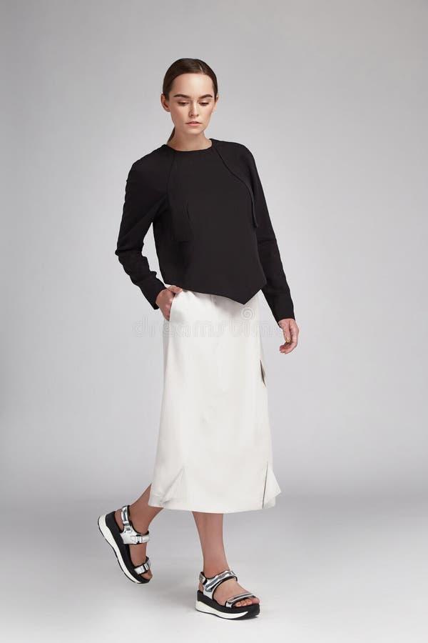 女实业家的时尚样式编目便衣 免版税库存照片