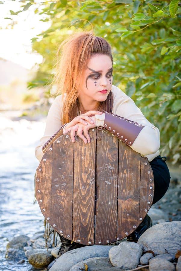女性北欧海盗字符 免版税库存照片