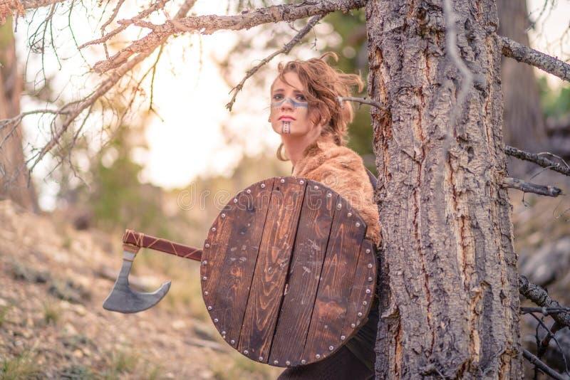 女性北欧海盗字符 图库摄影