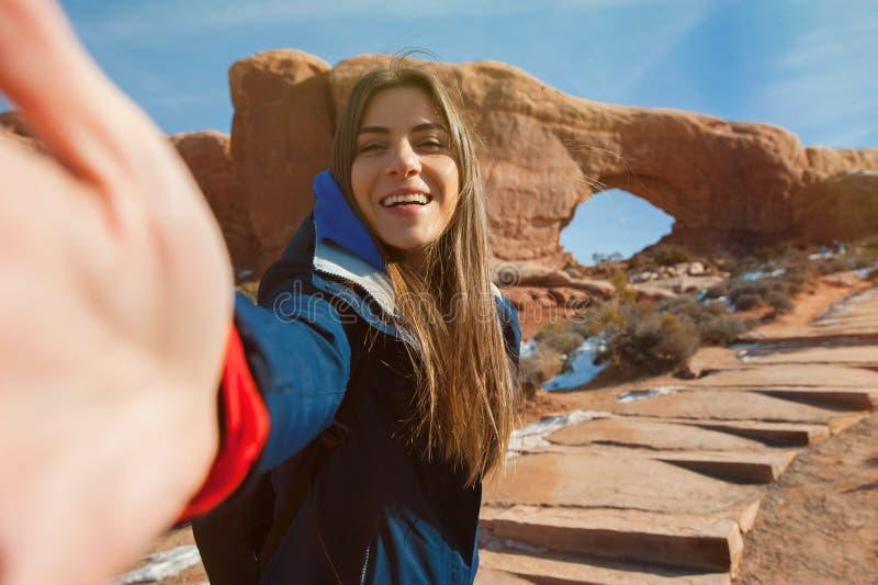 女性旅行家taikng自画象 免版税库存照片