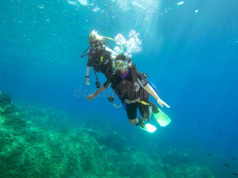 女性潜水者 免版税库存图片