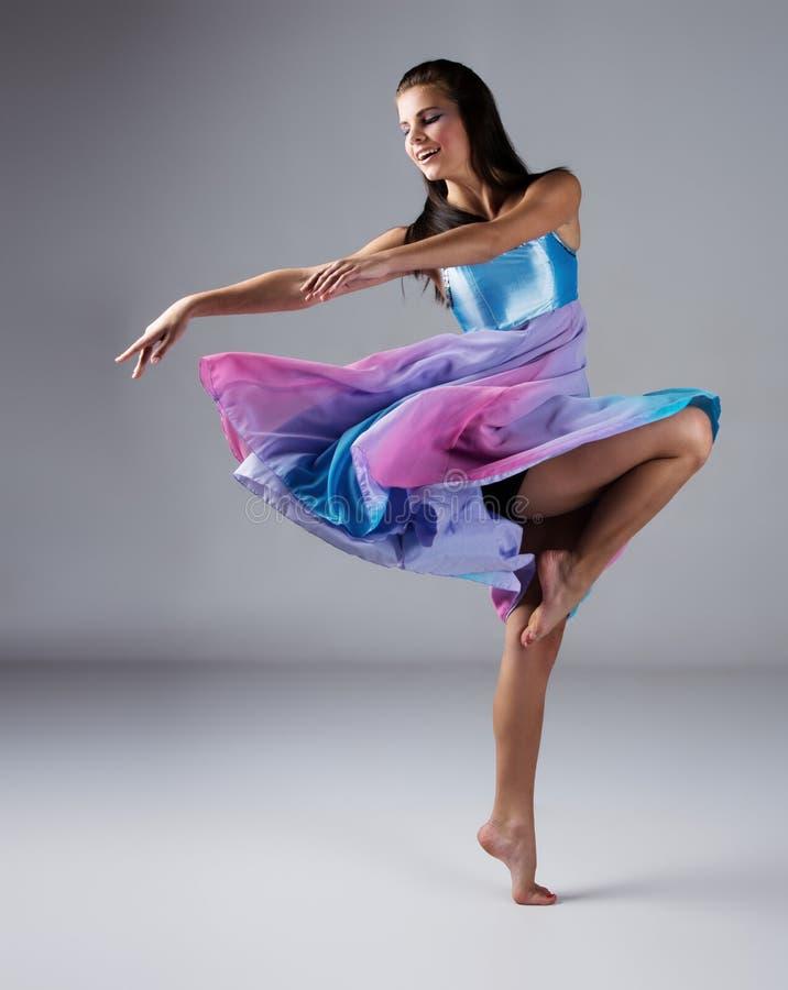 女性现代舞蹈家 图库摄影