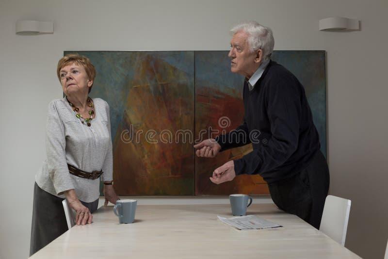 女性退休人员被触犯 库存照片