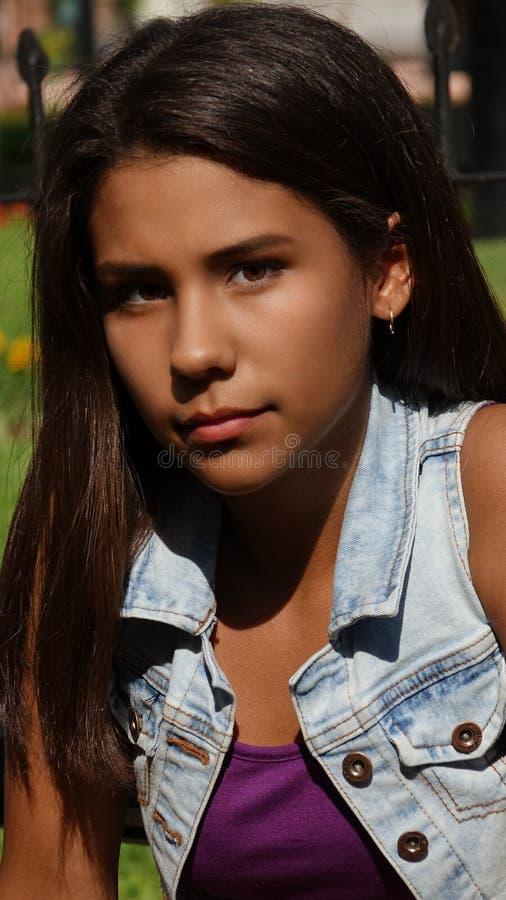 女性青少年和幸福 免版税库存图片