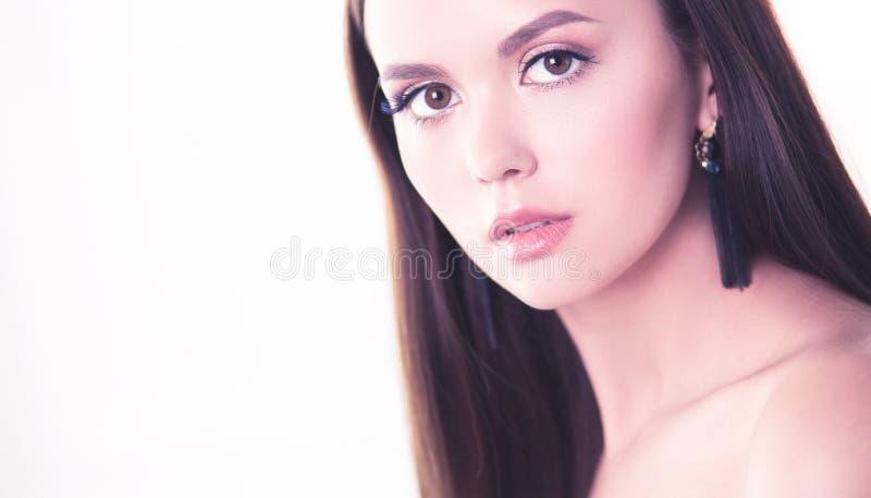 女性面孔秀丽画象与自然皮肤的 库存图片