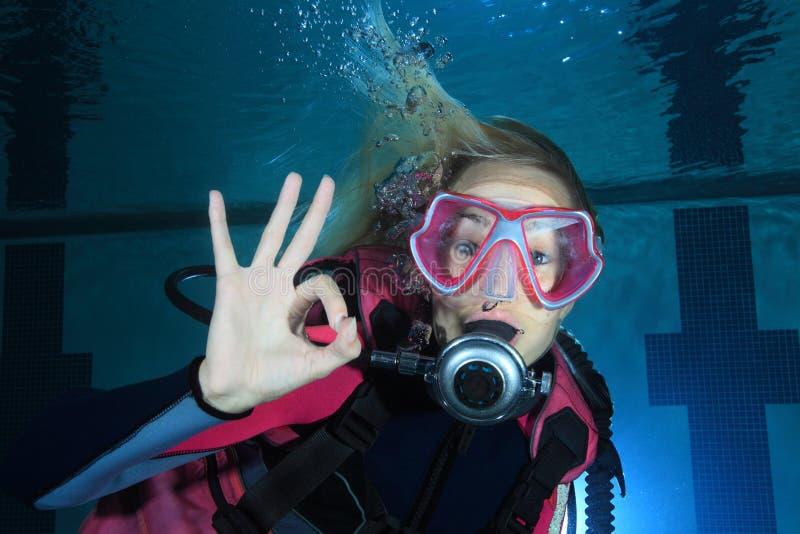 女性轻潜水员 库存图片
