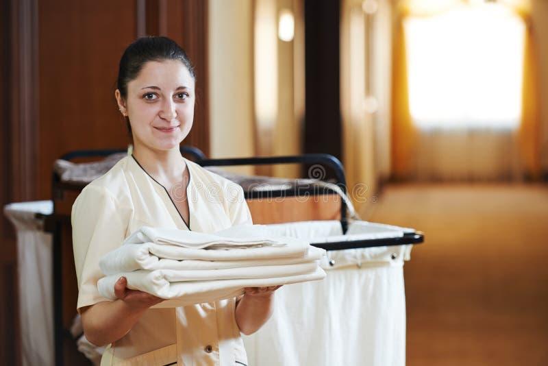 女服务生在旅馆 免版税库存照片
