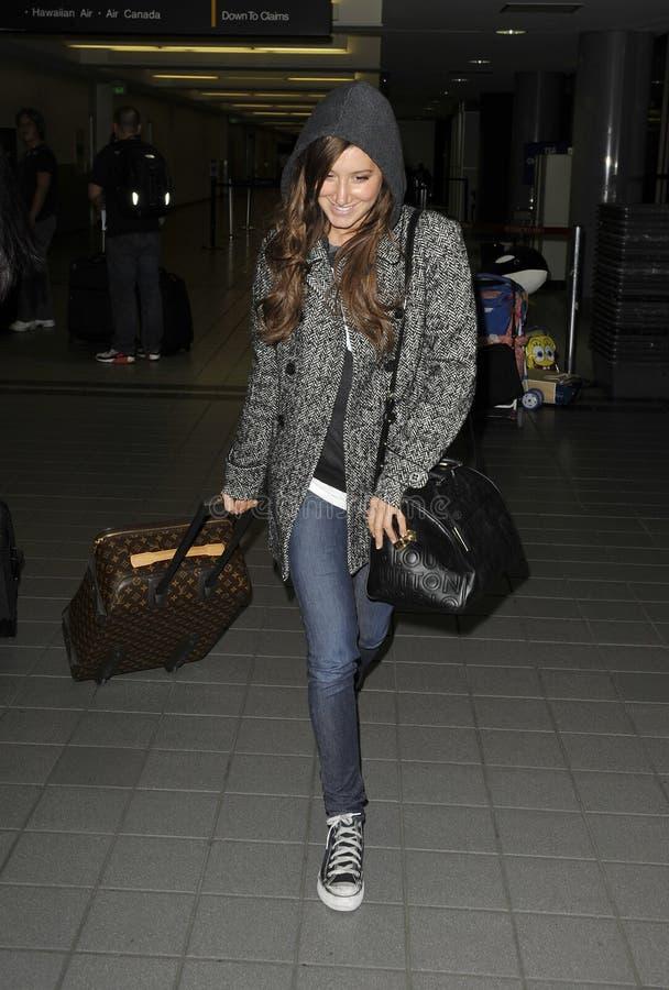 女演员Ashley Tidale在LAX机场 免版税库存照片