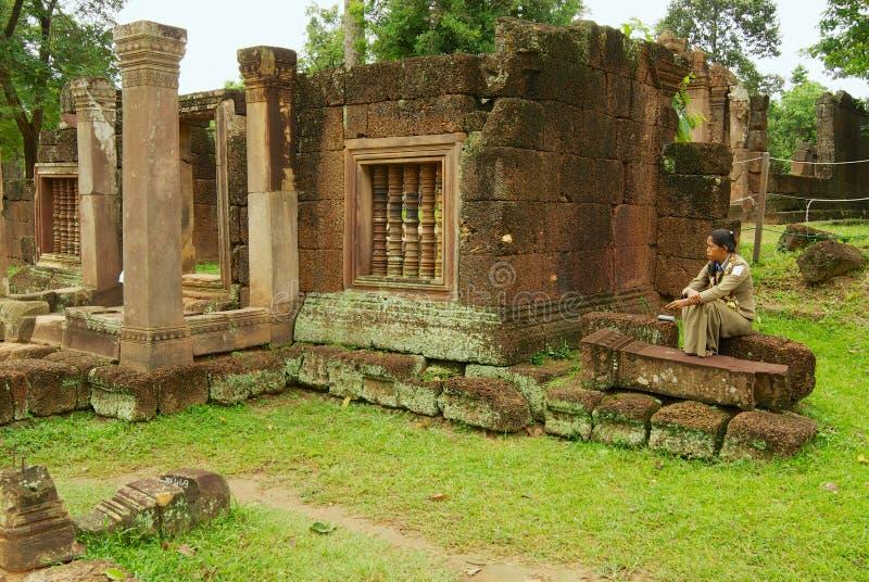 女王宫寺庙的废墟在暹粒市,柬埔寨 免版税图库摄影