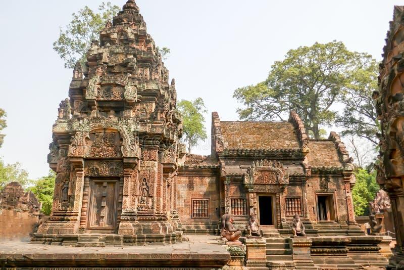 女王宫,暹粒市,柬埔寨寺庙外部  免版税库存图片